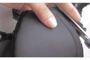 Inizia tagliando un vecchio reggiseno e crea l'accessorio per un look perfetto