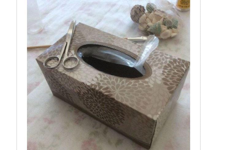 ecco 10 modi per riciclare le scatoline dei fazzoletti. Black Bedroom Furniture Sets. Home Design Ideas