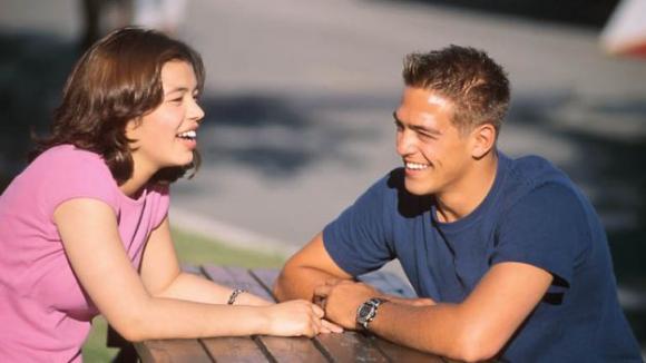 Le persone intelligenti trovano l'amore più difficilmente. Ecco perché!