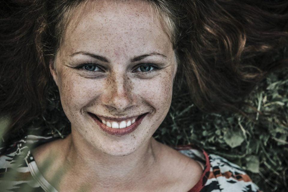 Altro che zitelle! Le donne single sono le più felici! Soprattutto dopo i 40.