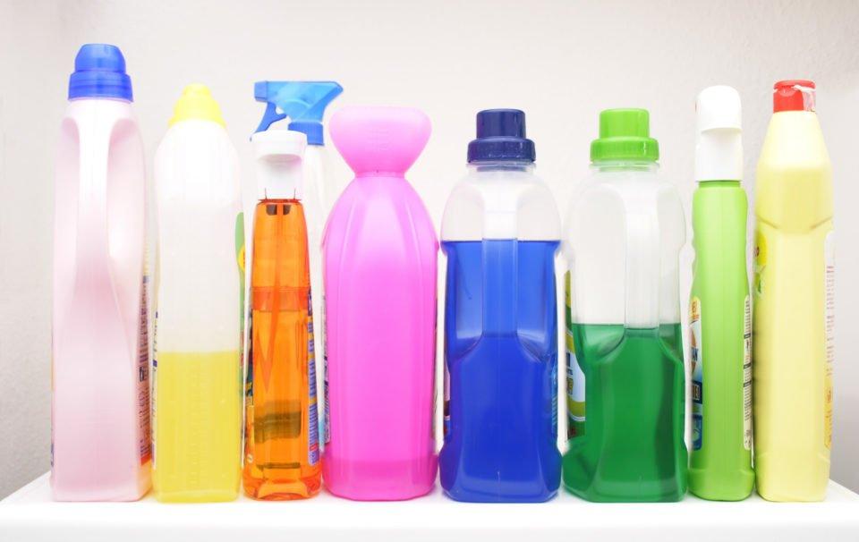 10 prodotti per la pulizia che non possono mancare in casa for Mobili per passione