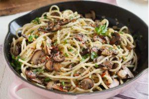 spaghetti funghi e aglio