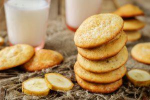 biscotti alla banana ne burro AdobeStock 217389862