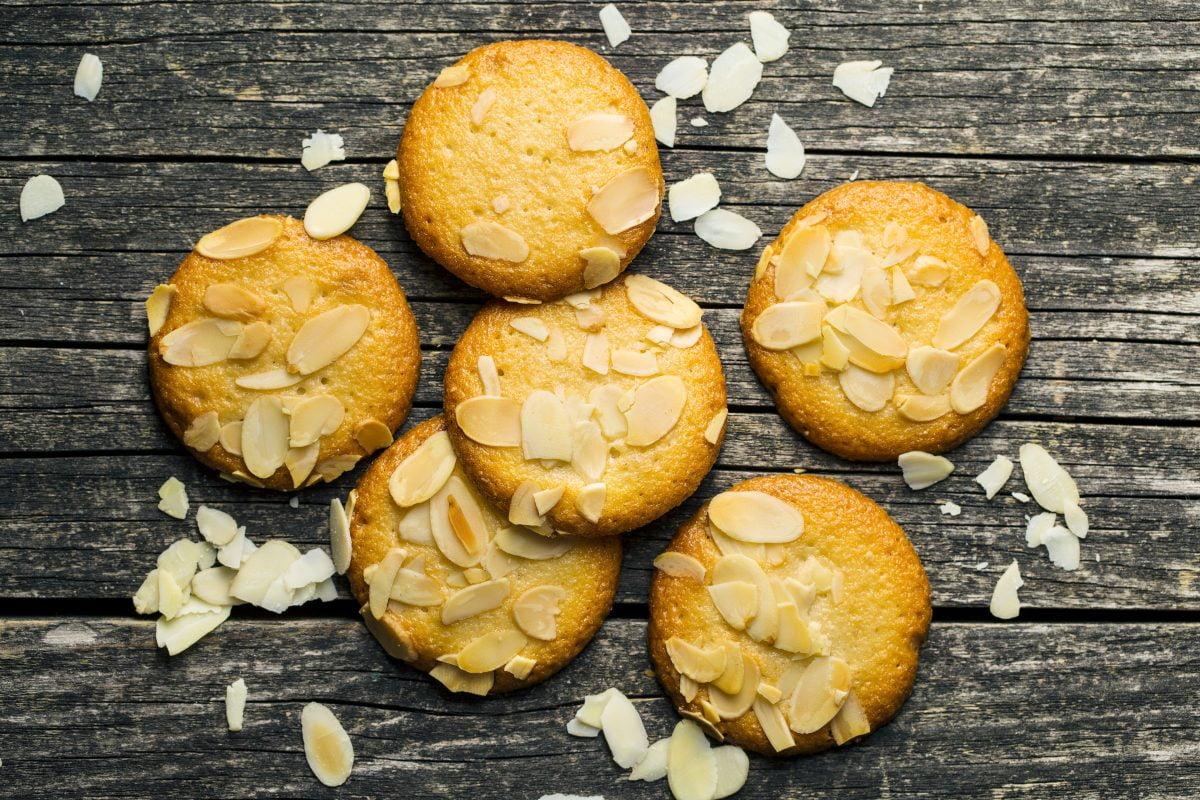 Biscotti alle mandorle e mandarino: deliziosi e con sole 55 calorie