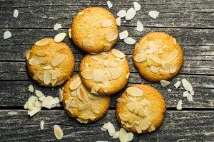 biscotti alle mandorle e mandarino AdobeStock 155151807