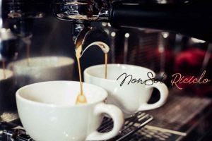 se bevi due o tre barista using coffee machine cafe 1150 8040