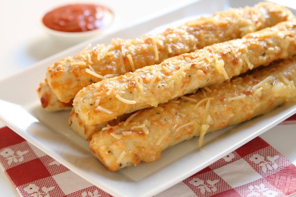 Stick di ceci con rosmarino e paprika: light e più buoni delle patatine!