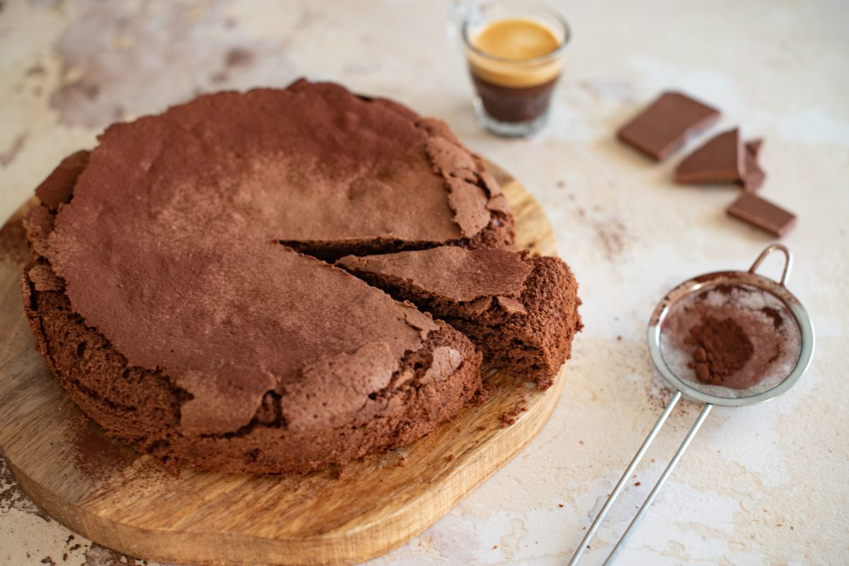 torta tenerina ricetta con AdobeStock 368793976