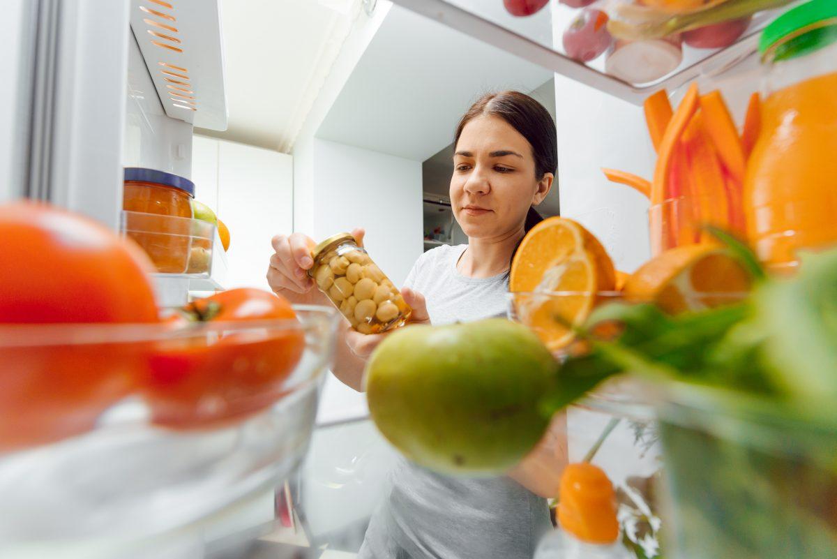 frutta e verdura che vanno AdobeStock 344557352