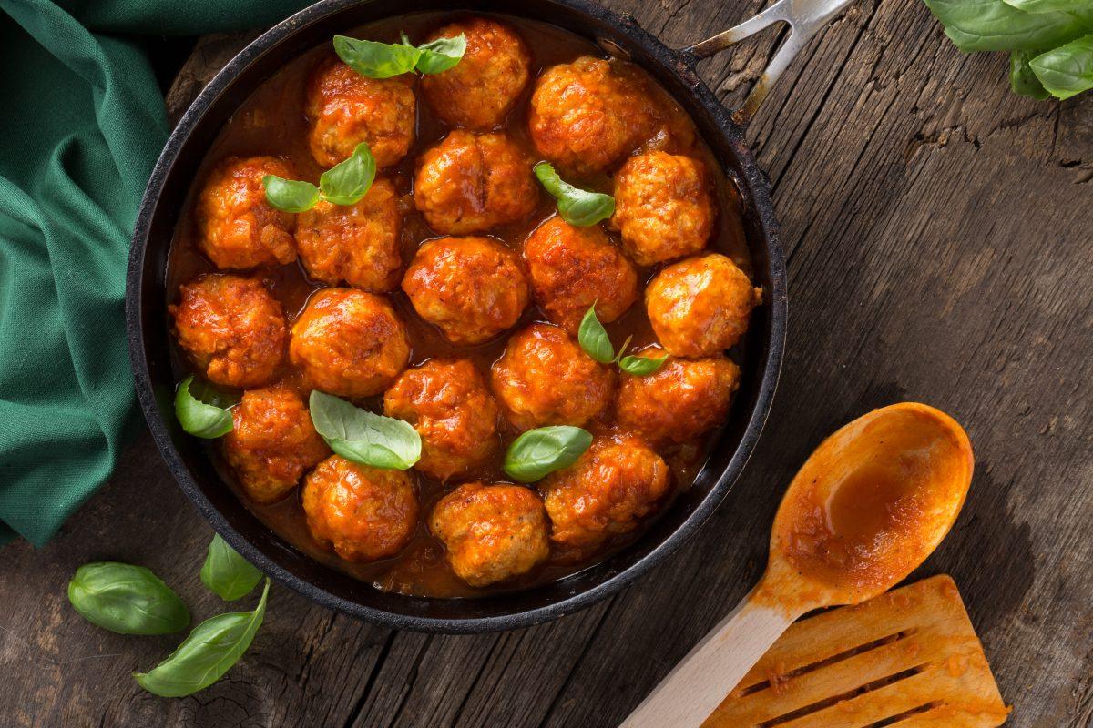 Polpette di ricotta al sugo: ricetta leggerissima senza frittura!