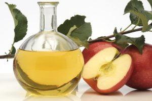 aceto di mele i benefici AdobeStock 16873832