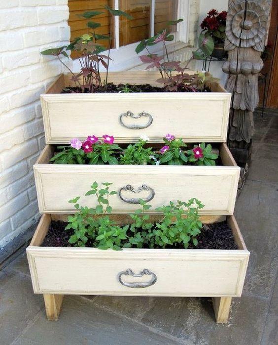 decorare giardino con riciclo creativo 6