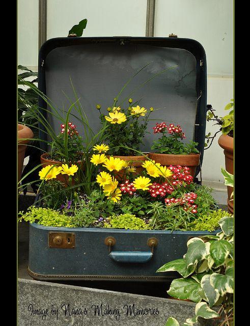 decorare giardino con riciclo creativo 9