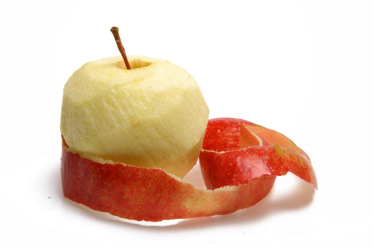 Bucce di mela |  mai buttarle guarda il perché!