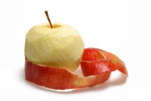 bucce di mela buttarle e AdobeStock 9623191