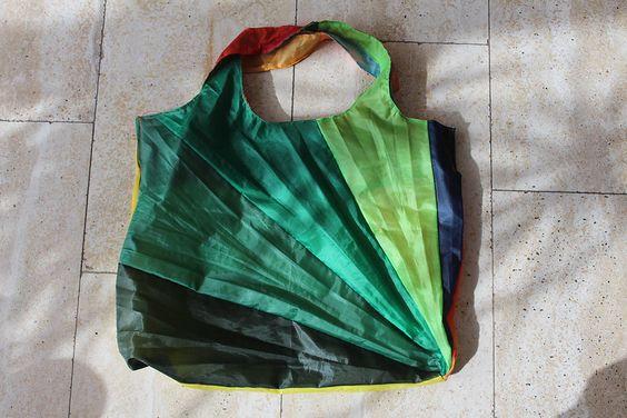 riciclare un ombrello rotto come 3