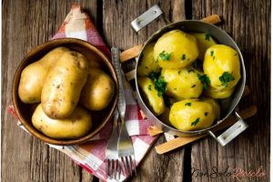 sbucciare le patate cotte in 14