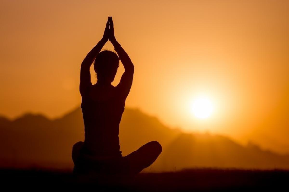 sei regole da seguire per yoga practice mountains 1163 3359
