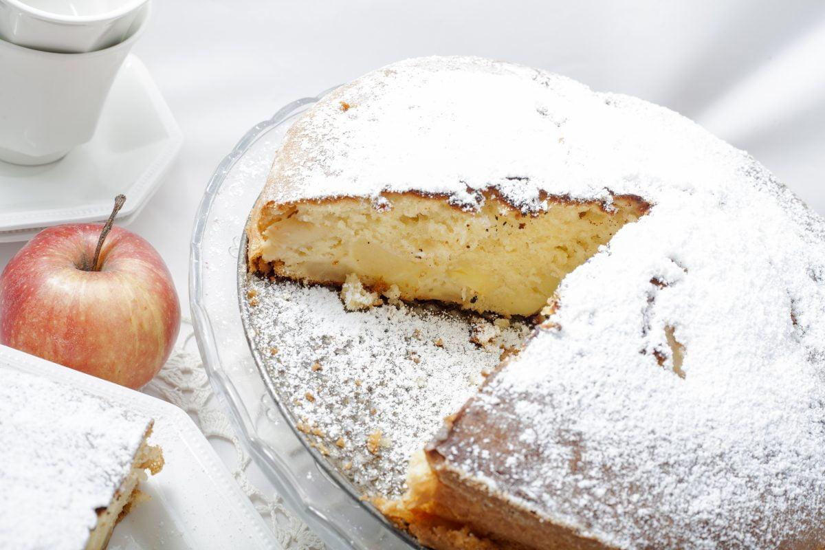 torta di mele e mascarpone AdobeStock 61272408