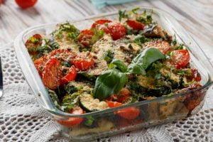 zucchine al forno con pomodoro Zucchine al forno con pomodoro