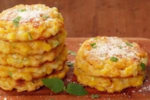 frittelle di mais al formaggio frittelle al formaggio