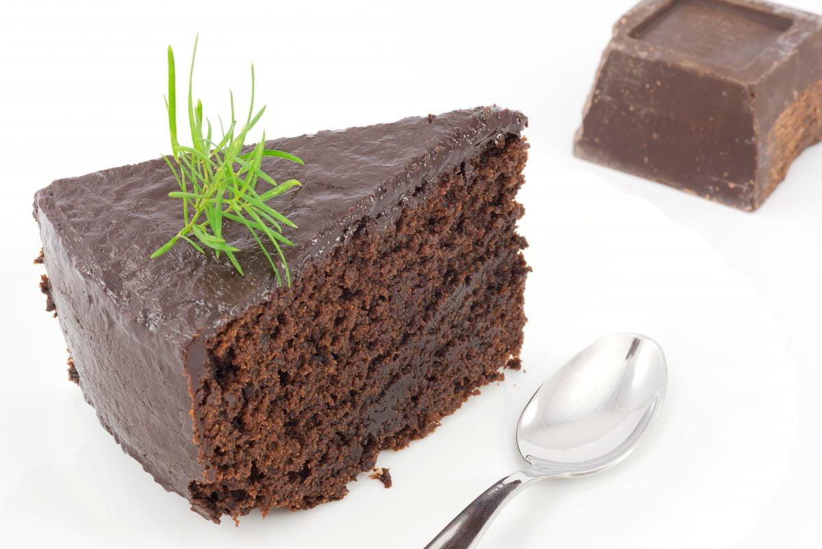 torta morbida al cioccolato senza AdobeStock 47465545