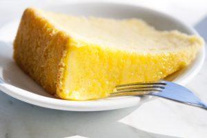 la torta al limone semifredda AdobeStock 22526827