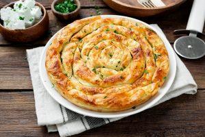 la torta di zucchine salata AdobeStock 389336311