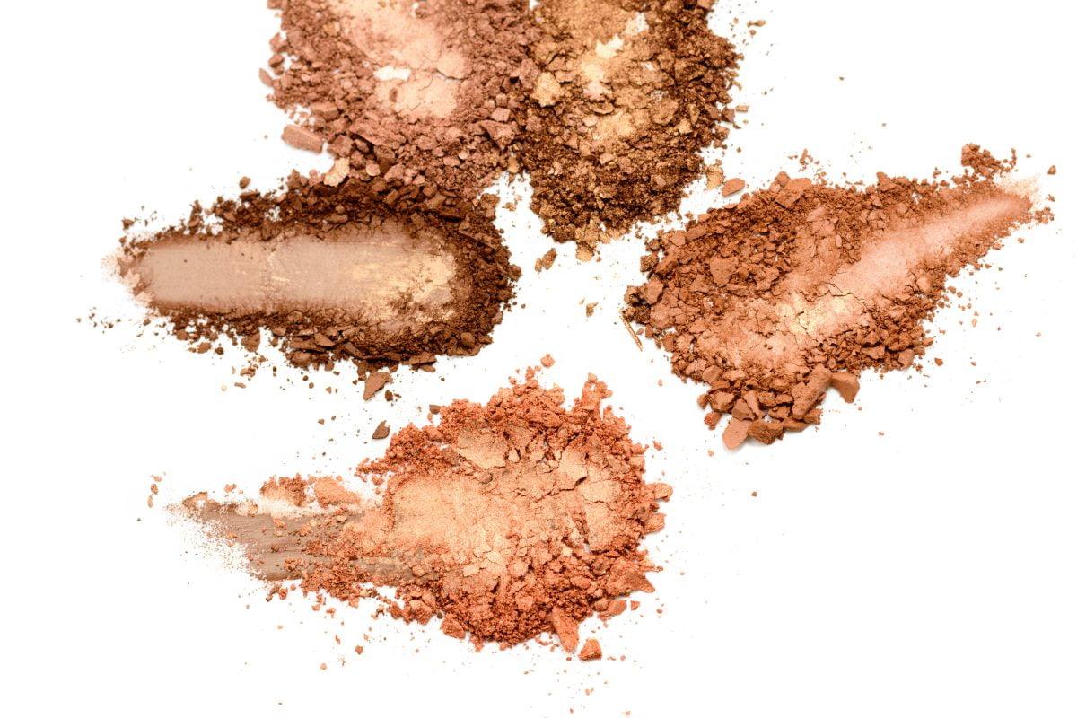 realizzare un bronzer con ingredienti AdobeStock 263074420