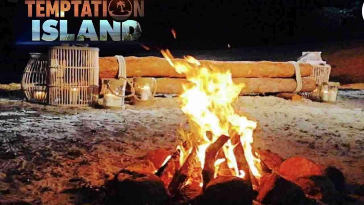temptation island raffaella mennoia parla temptation island il debutto sarebbe posticipato una fidanzata ha scoperto un tradimento 2510950