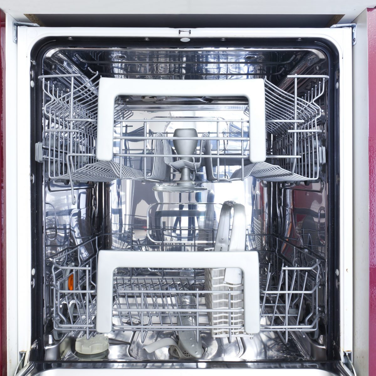 scopri come sanificare la lavastoviglie AdobeStock 41945000