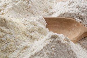 se la farina e scaduta AdobeStock 81307640