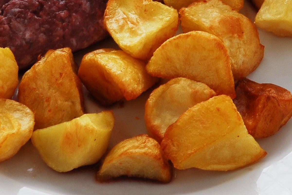 Croccanti patate al forno come non le hai mai mangiate!