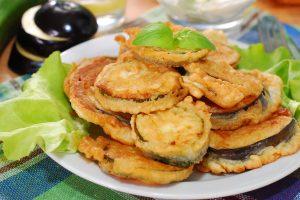 frittelle di zucchine e melanzane AdobeStock 57413788