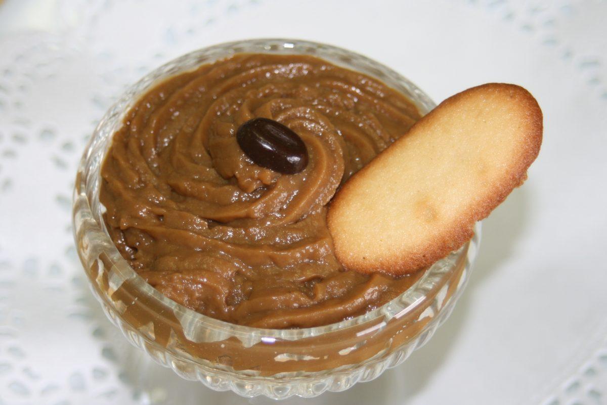 la crema pasticcera al caffe AdobeStock 4315546