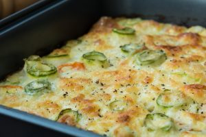 pasta e zucchine pronta in AdobeStock 126962006